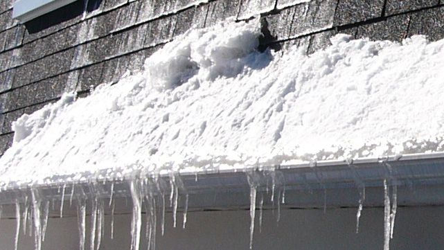 Glace_neige_gouttiere